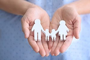 silhouettes of a family to represent how important life insurance is