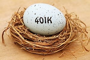 an egg symbolizing 401k retirement plans